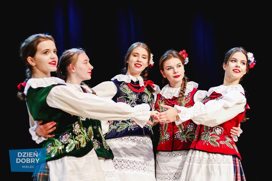 Wsparcie dla folkloru z Chorzelowa [DUŻO ZDJĘĆ]